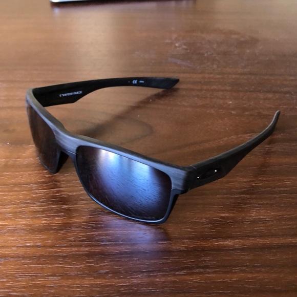 5071cd9b1bc97 Oakley Twoface Sunglasses with Prizm Lens. M 5b1b00153c9844b684806cd5